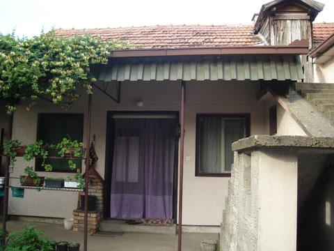 Prizemna kuća u Indjiji