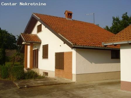 Kuća u Čortanovcima-vikendica