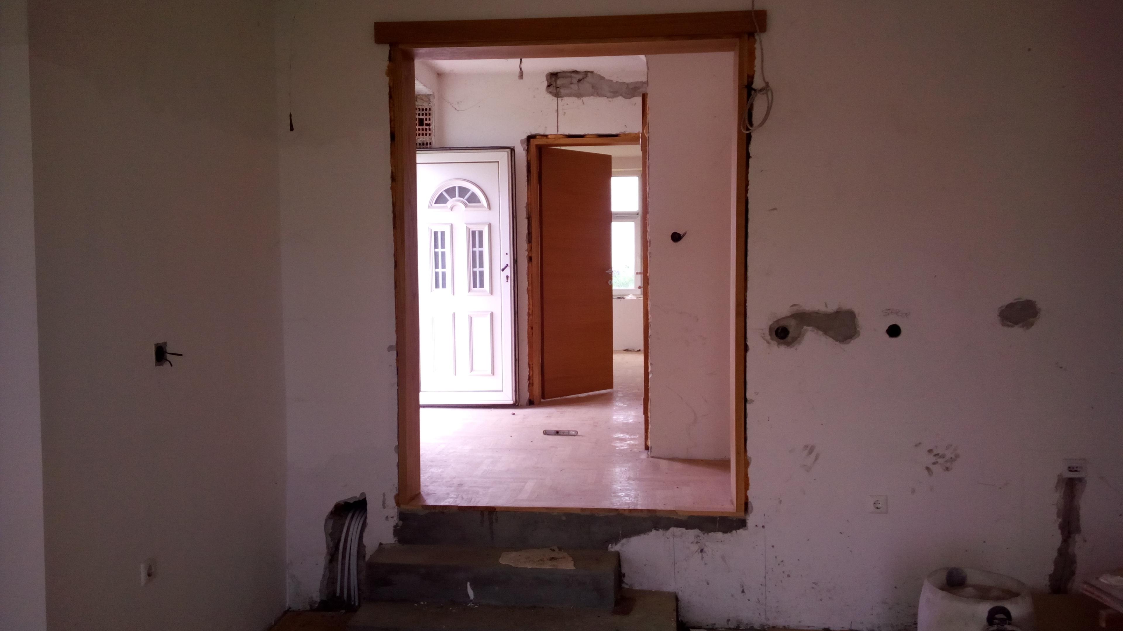 Spratna nova kuća u Indjiji
