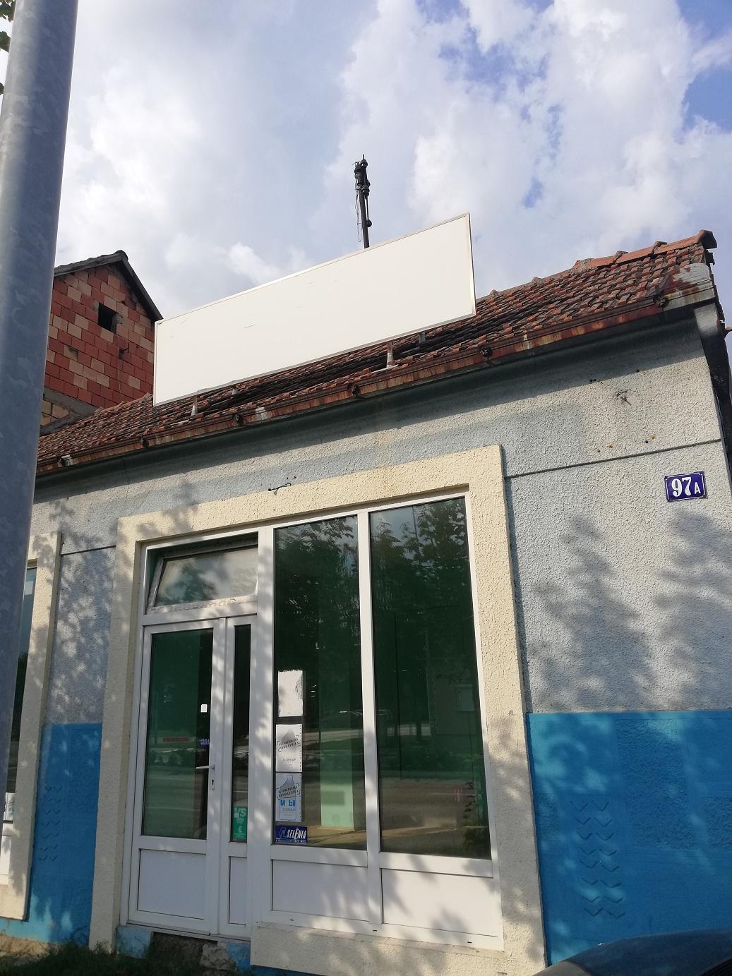 Kuća – Lokal u glavnoj ulici Inđije, plac 426 m2