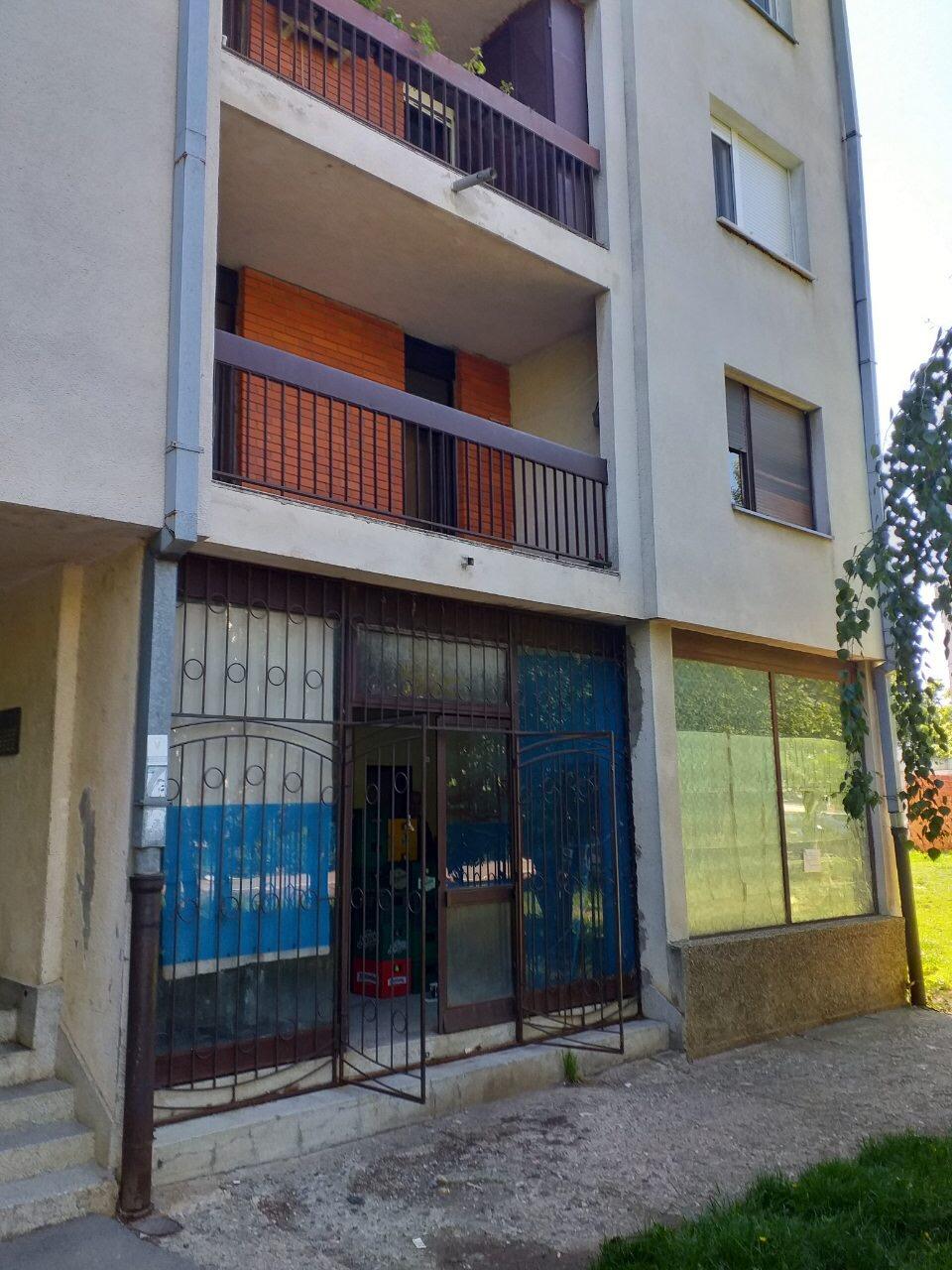 Lokal u Beogradu-Sremcica 56m2