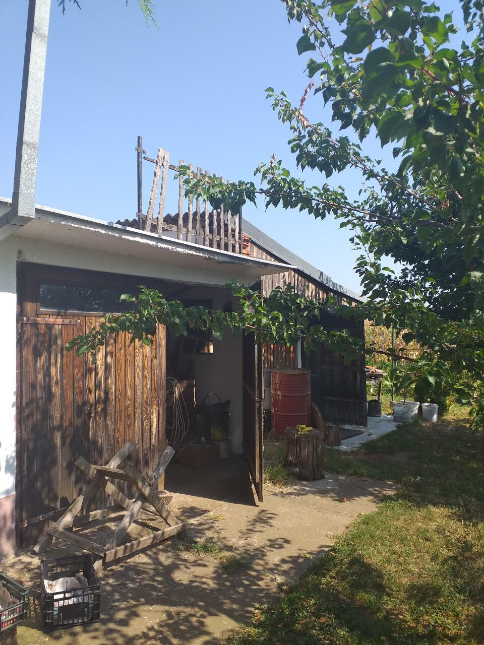 Kuća sa potkrovljem, Krčevine , Inđija