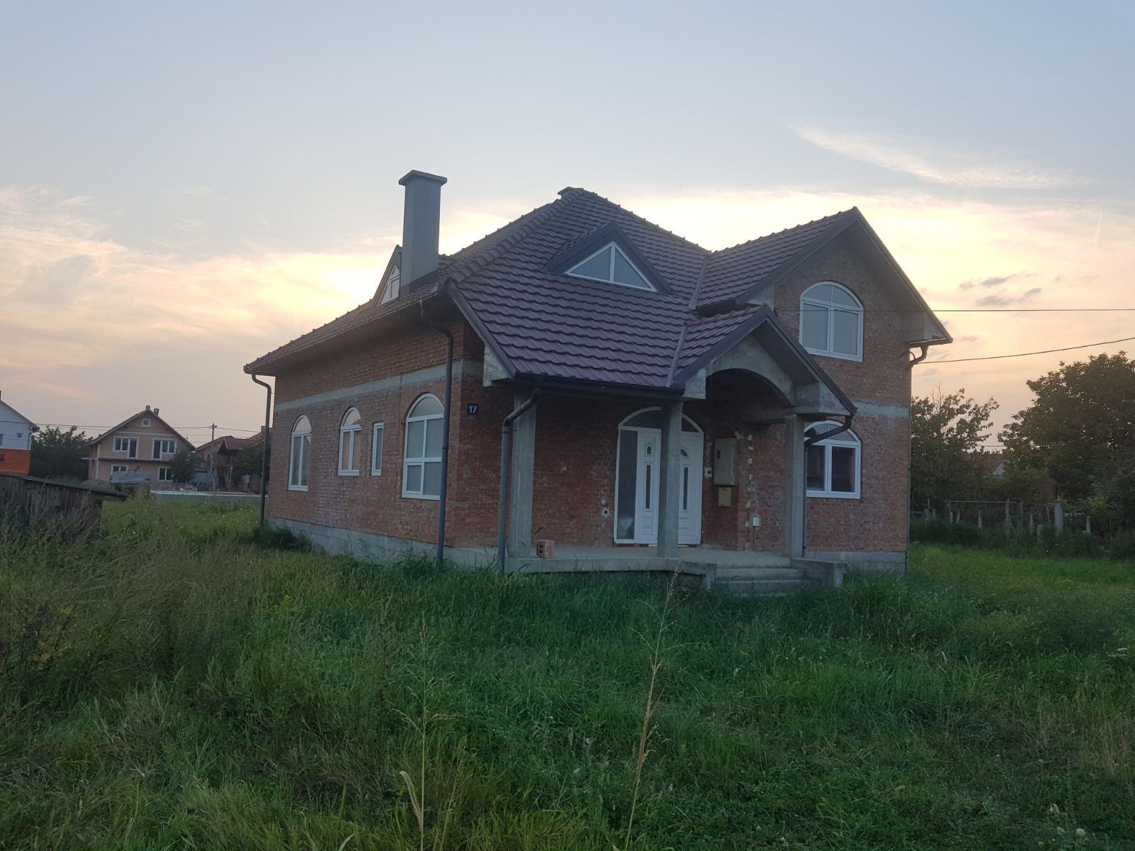 Nova kuća 270 m2, Busije, plac 6 ari