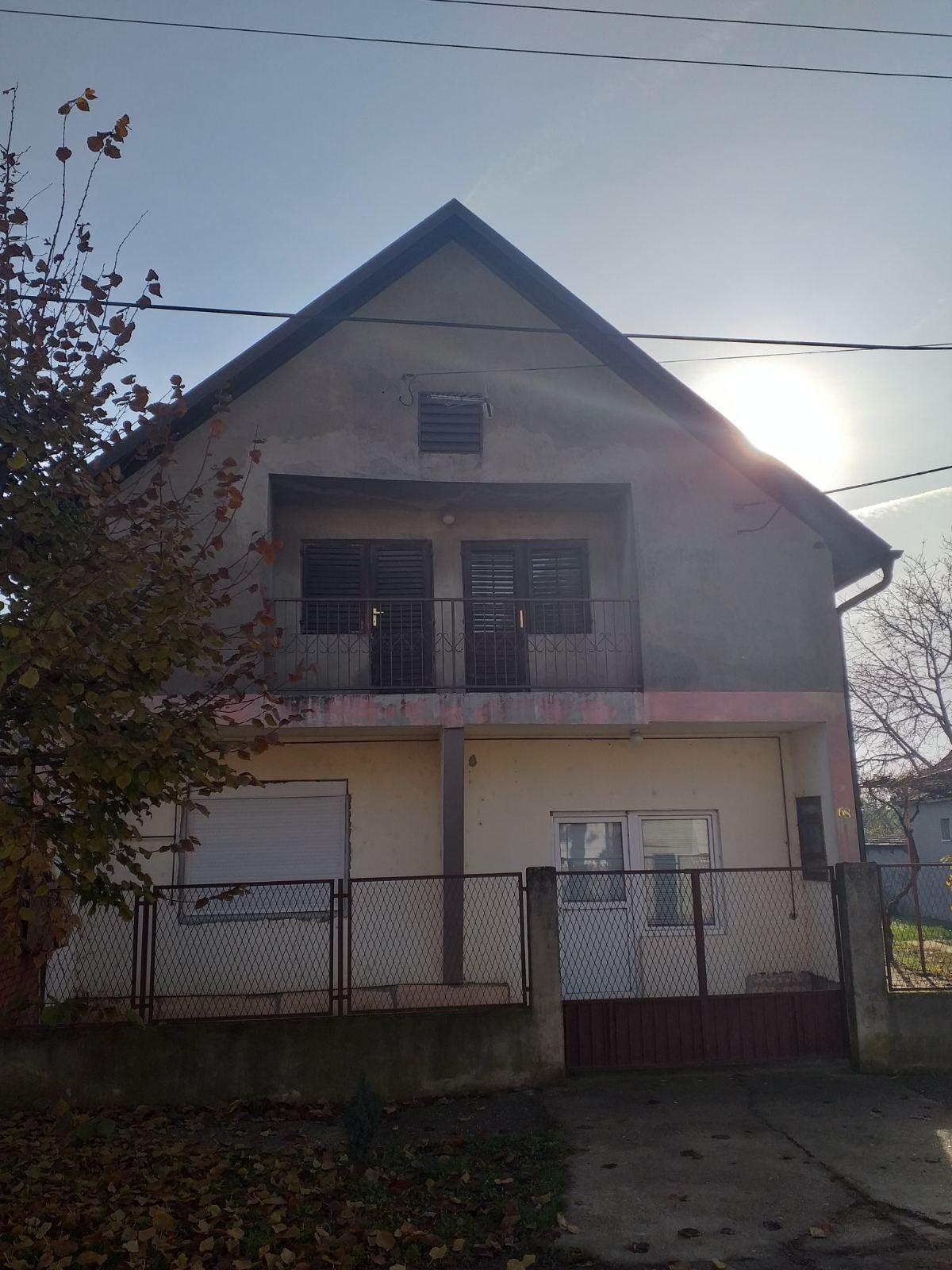Novija kuća  sa potkrovljem, Inđija
