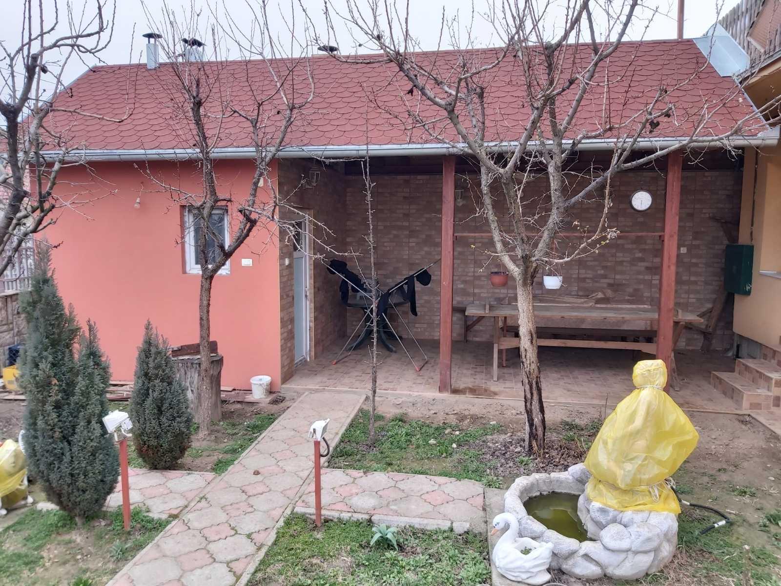Kuća, poljoprivredno gazdinstvo, plac 7199 m2, Maradik-Inđija