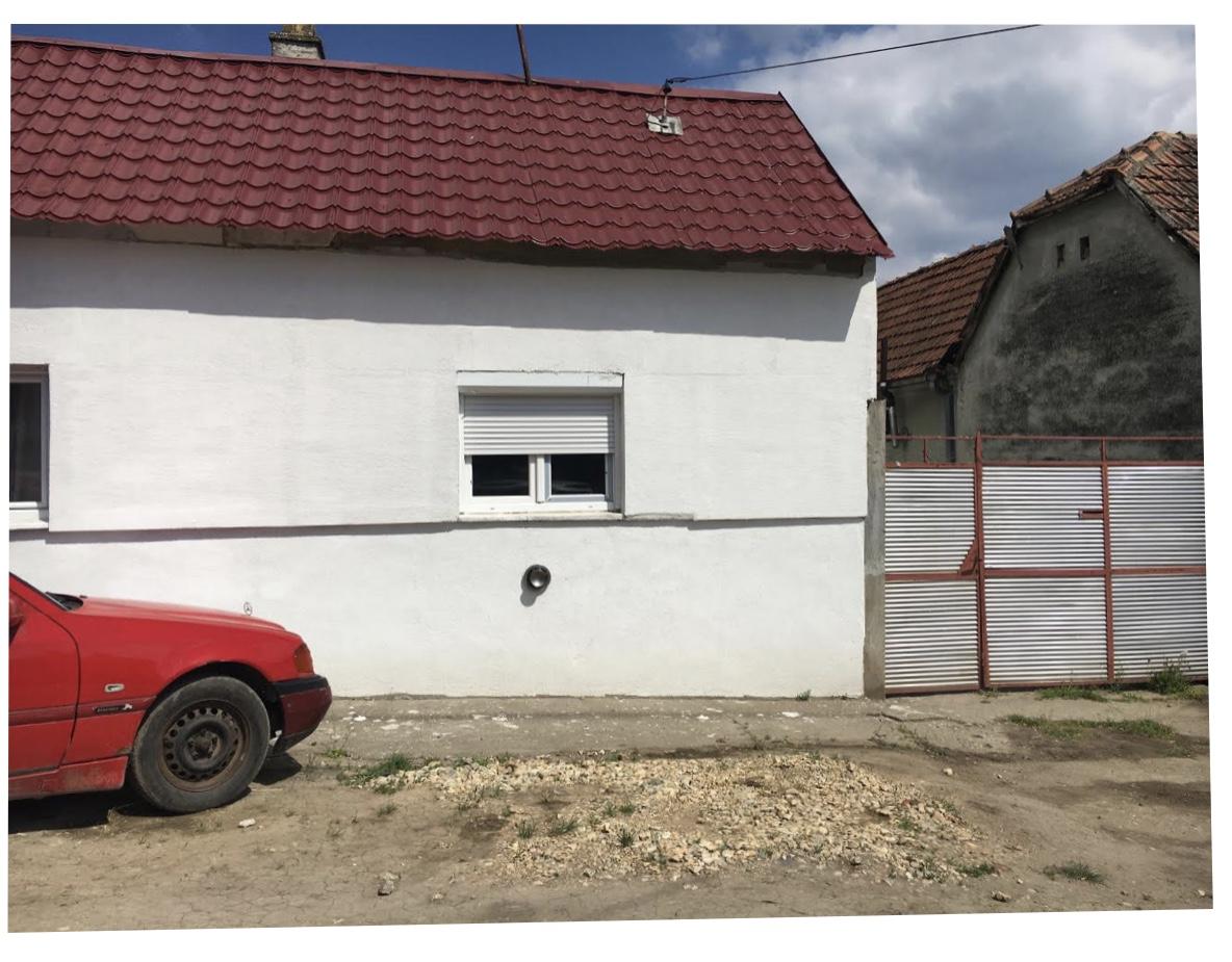 Prizemna kuća 130 m2 na placu od 7 ari, Inđija
