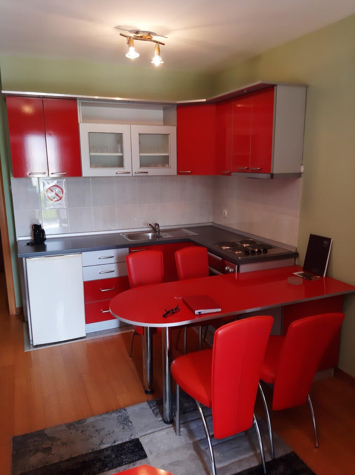 Exstra-apartman 41 m2, namešten, garaža, Vrnjačka Banja