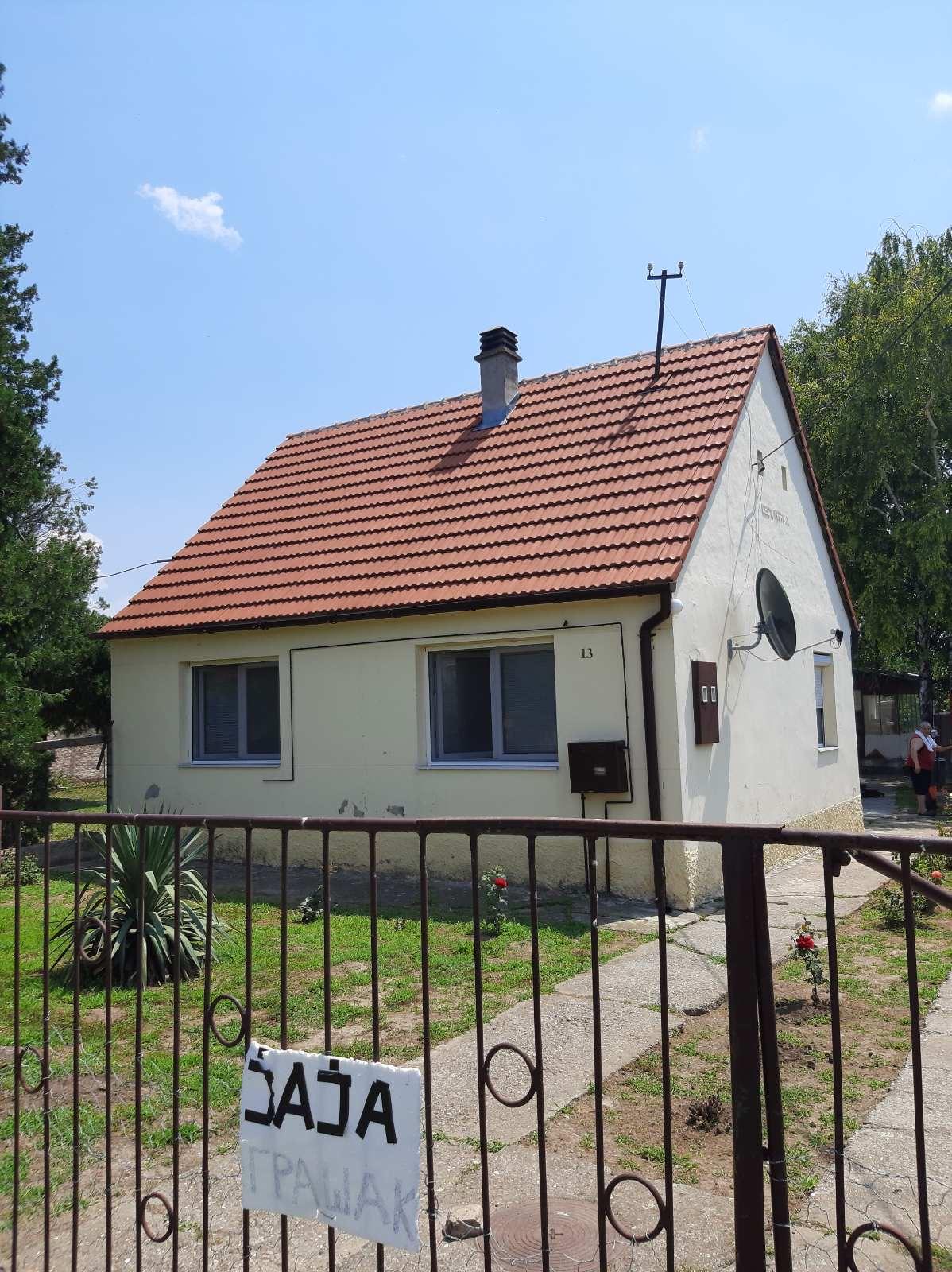 Kuća Novi Slankamen, plac 15 ari