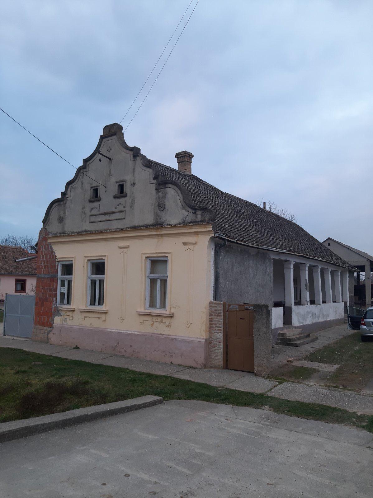 Starija kuća, Novi Slankamen, plac oko 30 ari