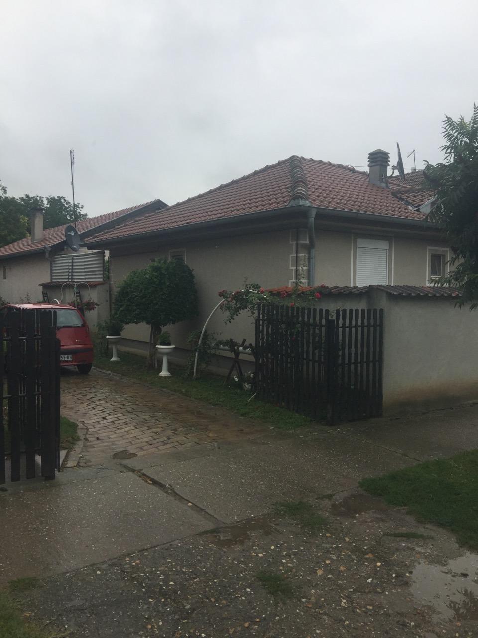 Dve kuće na placu od 40 ari, Novi Slankamen
